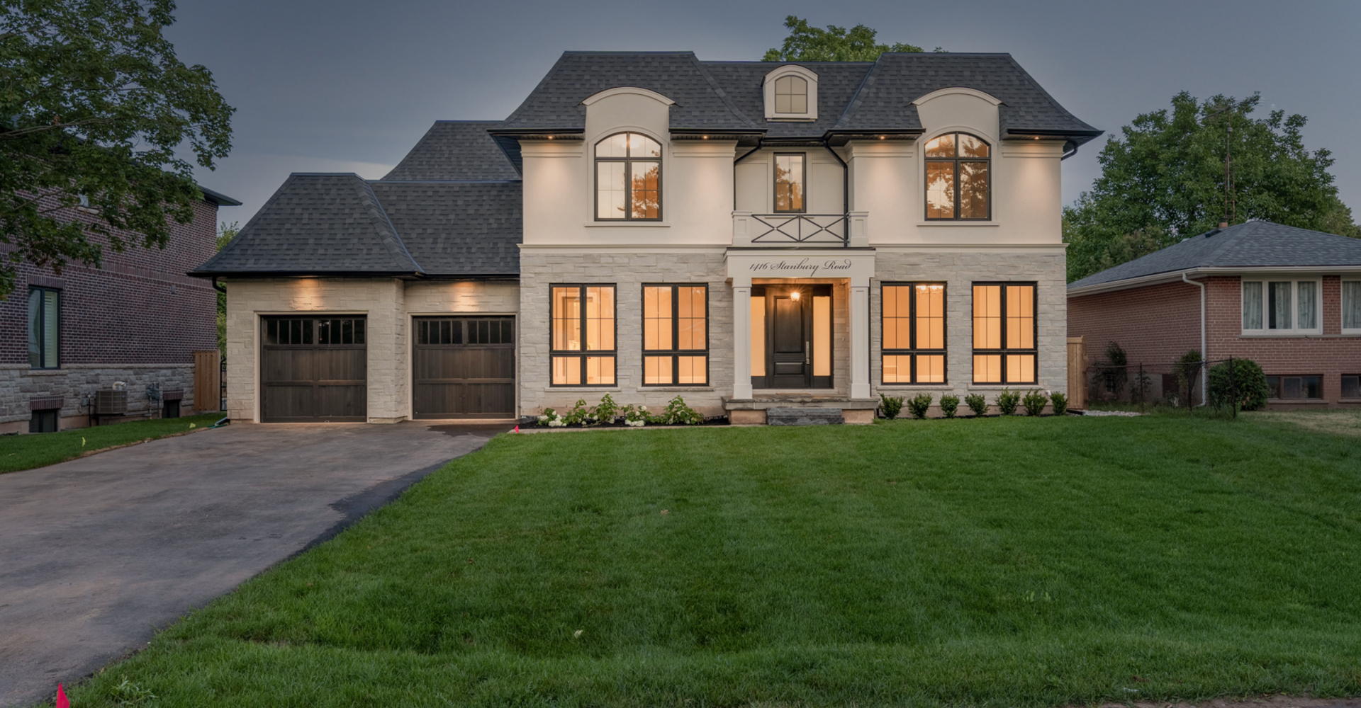 Custom Homes in Oakville